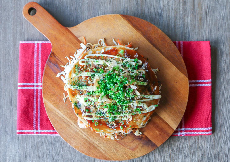 Okonomiyaki with green onions