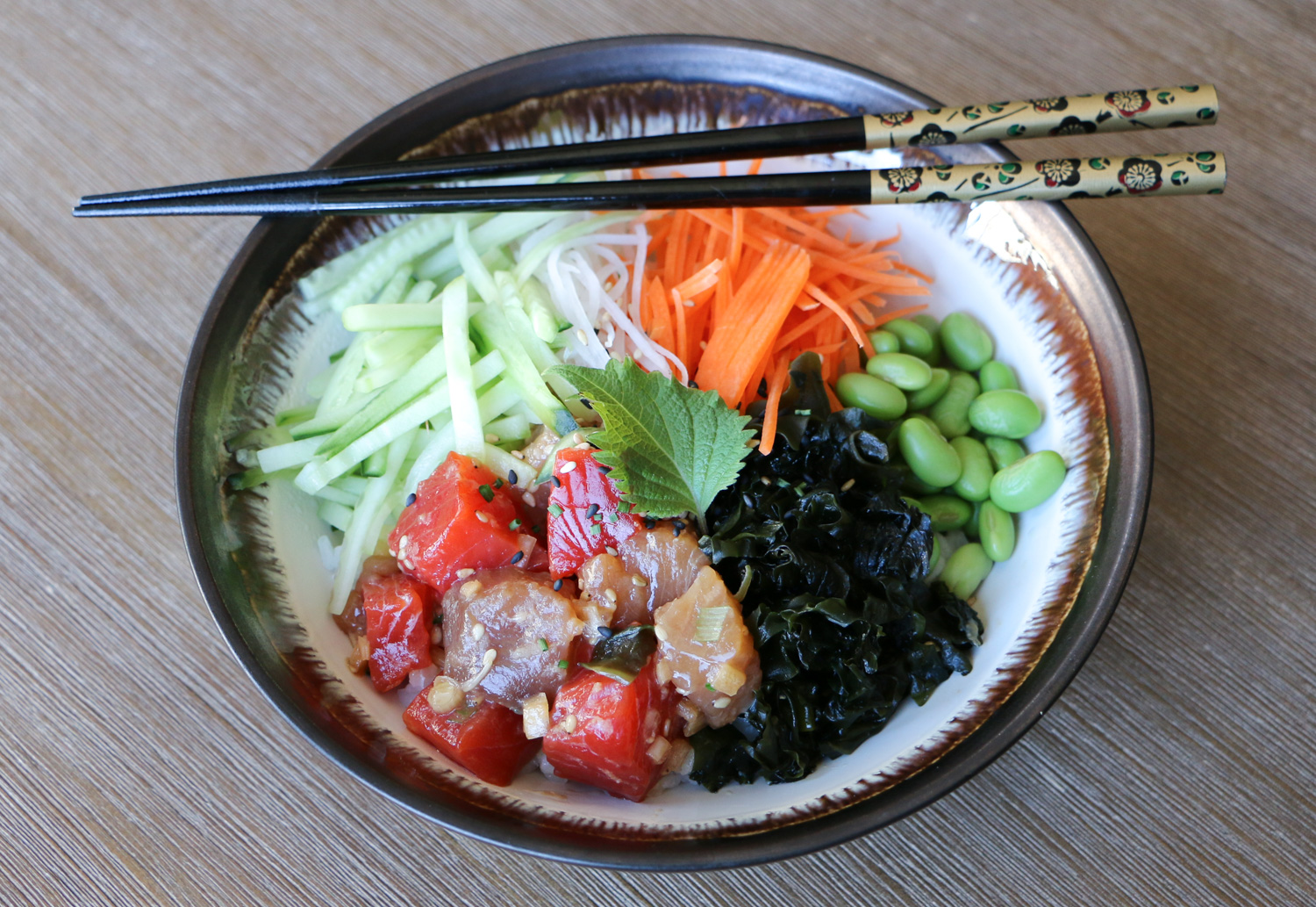 Tuna and salmon rice bowl